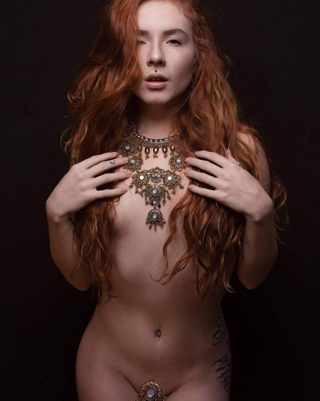 Nackt Lilith Jenovax  Jenovax Lilith
