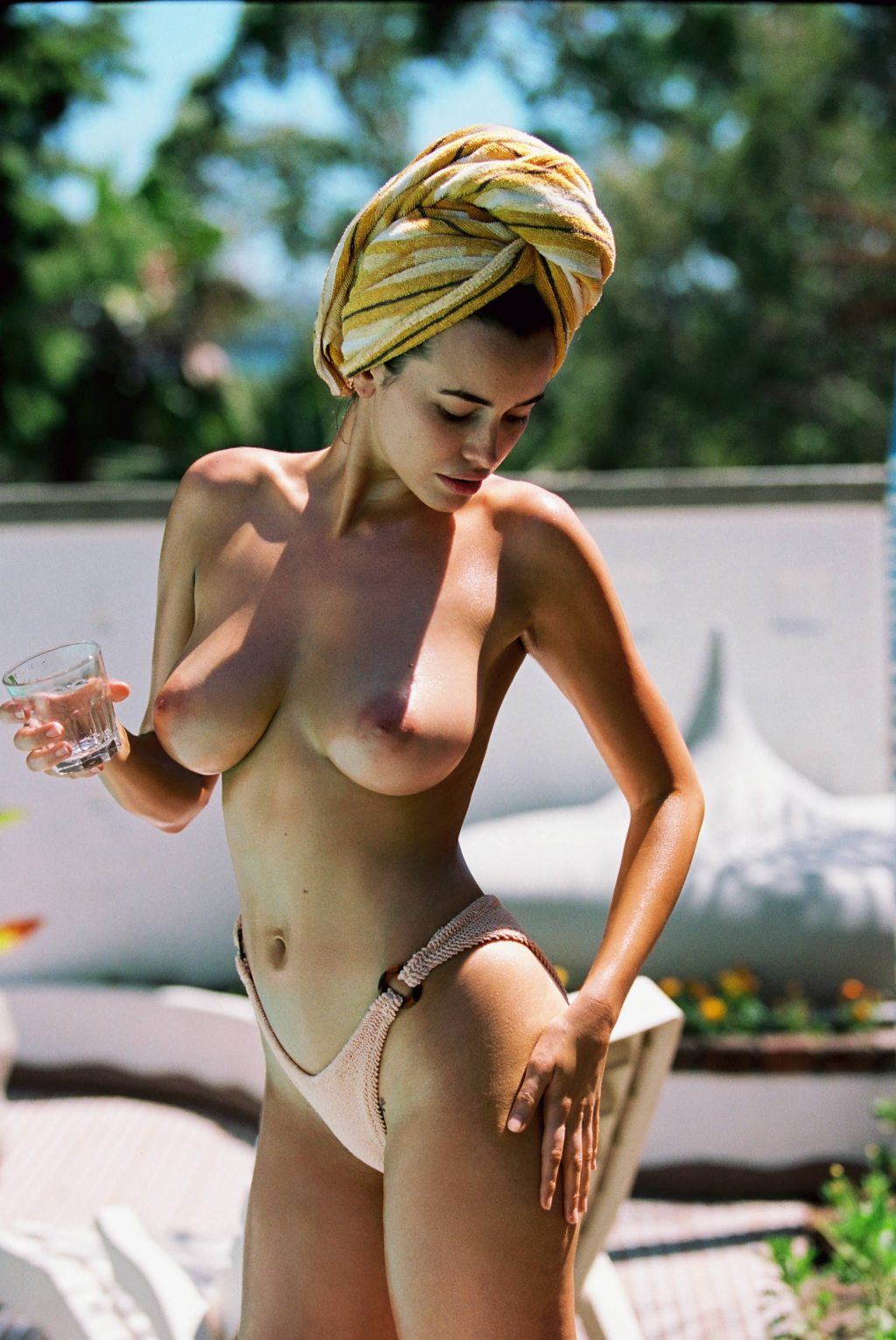 Discussion on this topic: Juliana balestin, sarah-hagan-topless/
