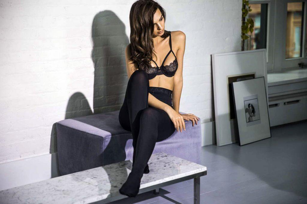 Emily Ratajkowski Hot