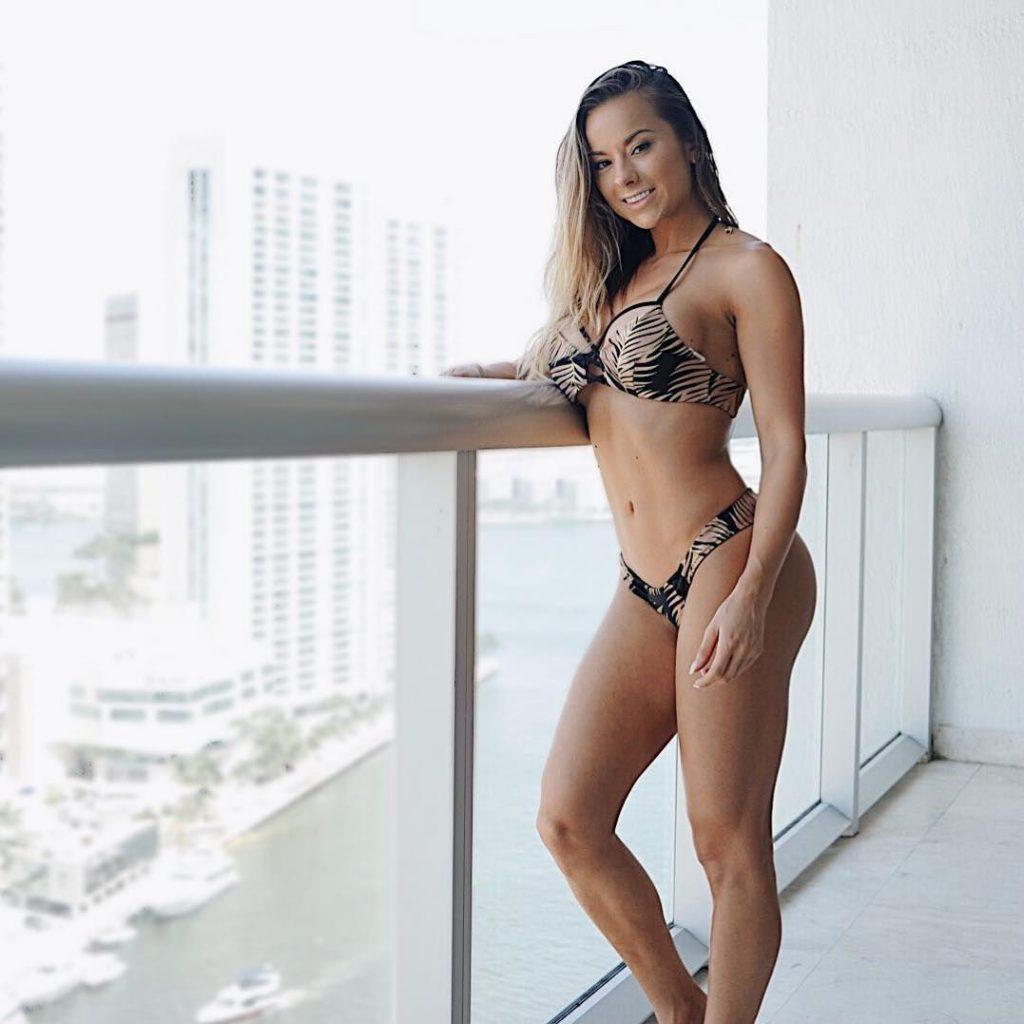 Hot Laura Harris nude (76 foto and video), Topless, Sideboobs, Instagram, braless 2020
