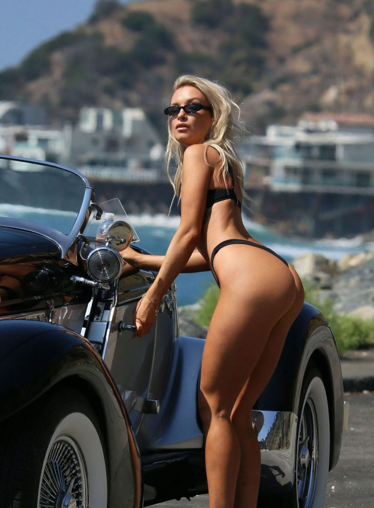 Celebrity Aubrey Evans Naked Pics