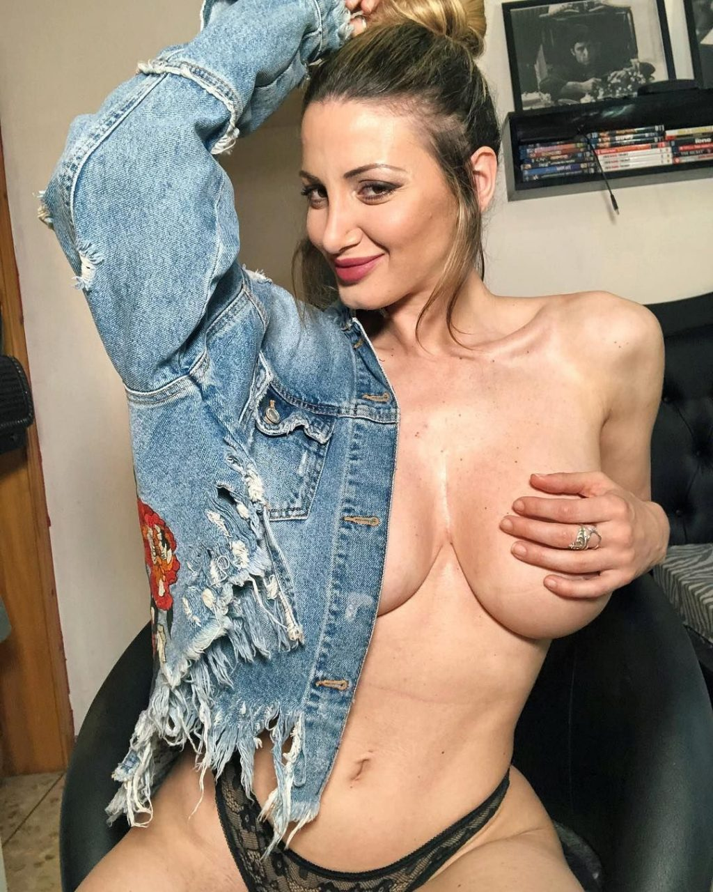 Young Nadine Crocker nude (16 photos), Pussy, Leaked, Boobs, butt 2018