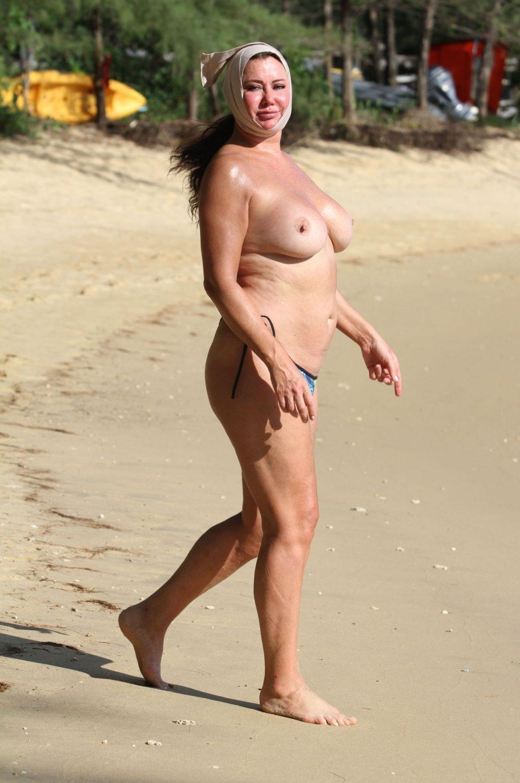Watch Lisa Appleton Lauren Harries Topless - 67 Photos video