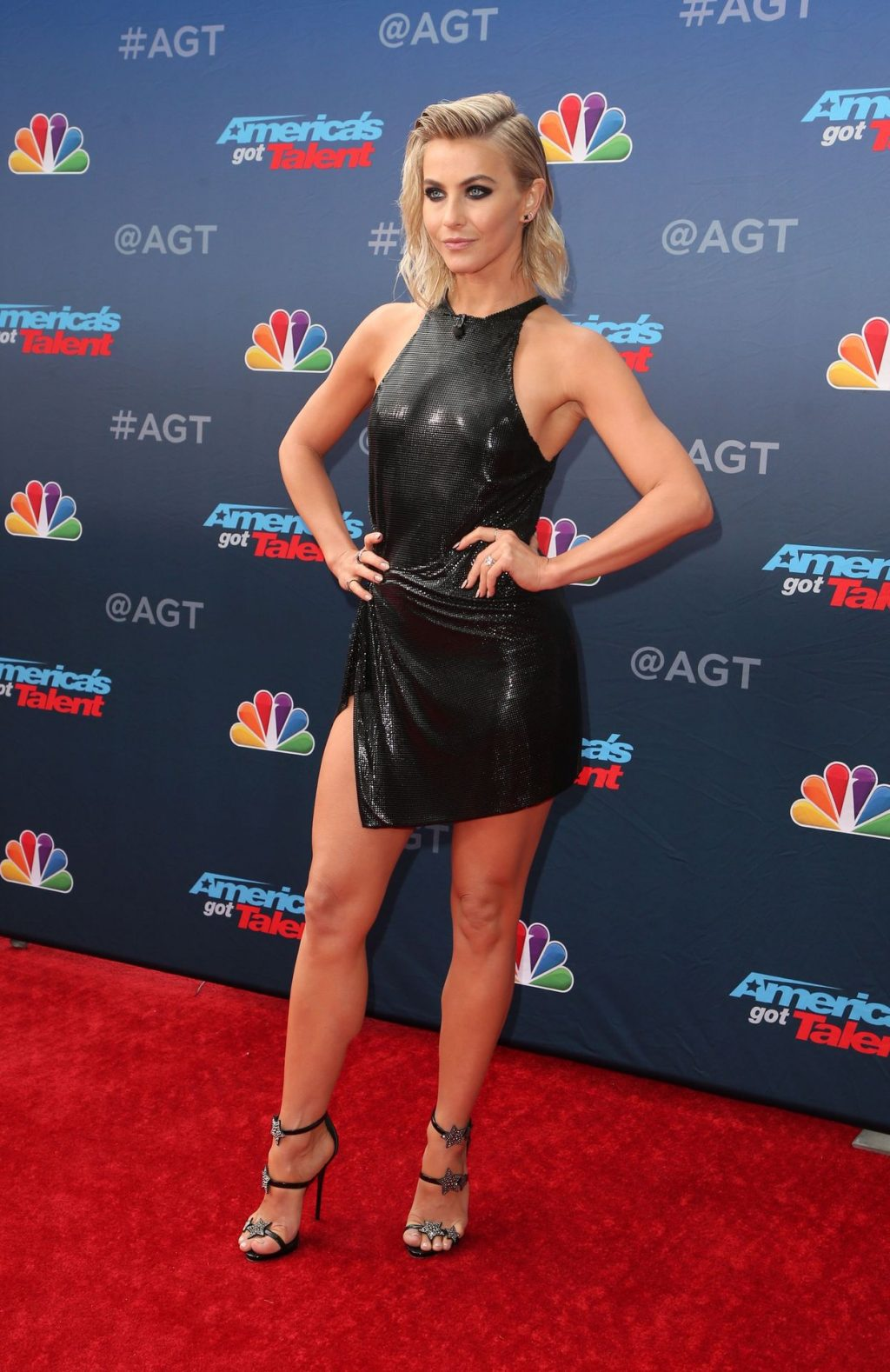 Julianne Hough Braless - #TheFappening