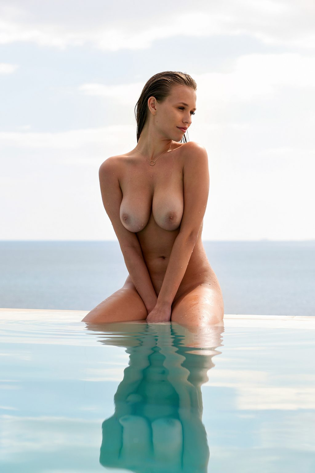 Naked laura Laura howard