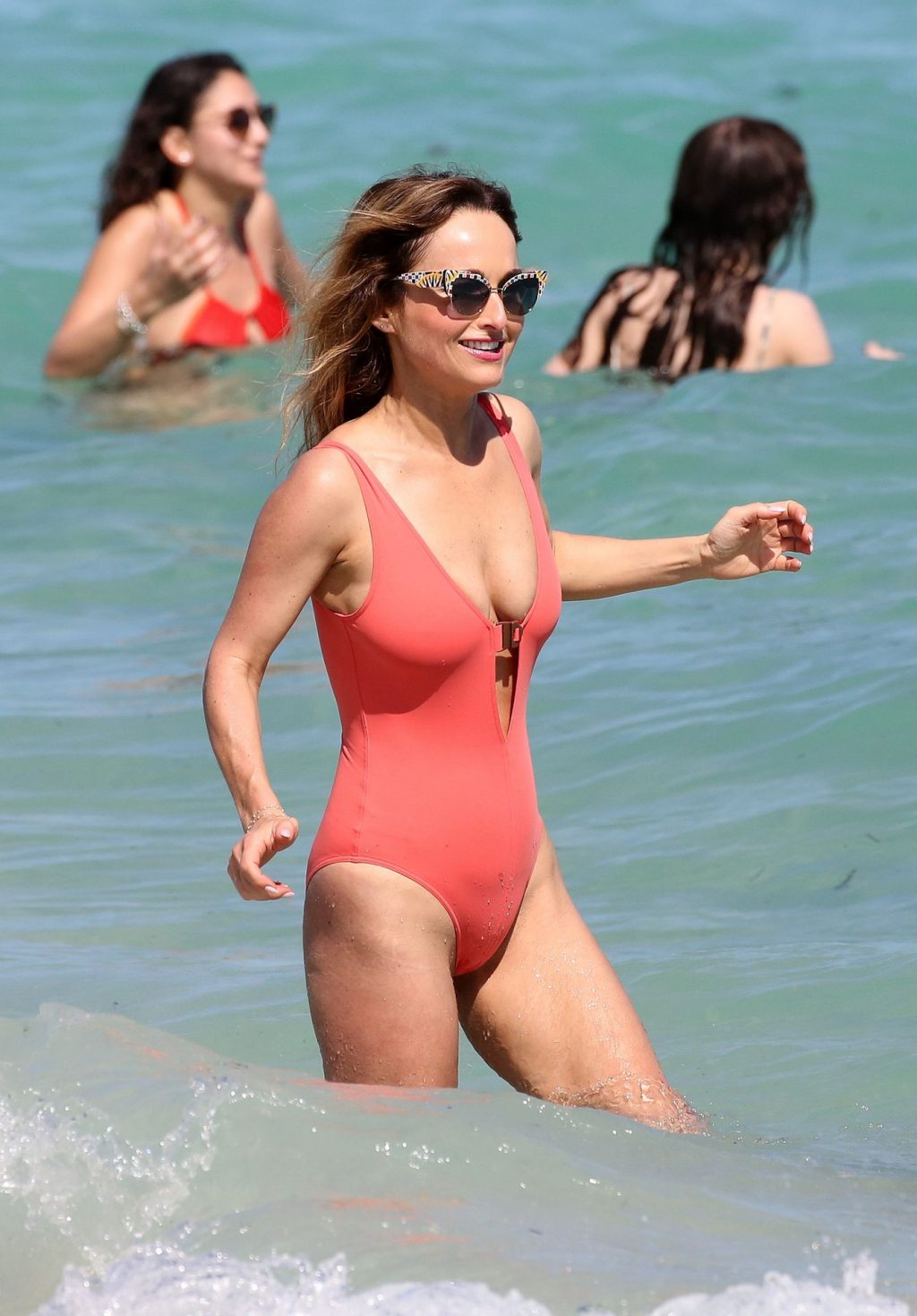 Giada De Laurentiis Show Off Her Curves in a Sexy Pink